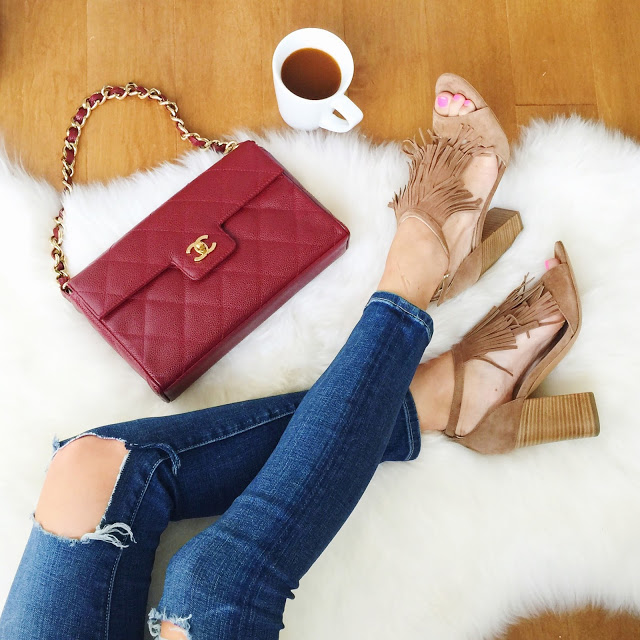 Perfectly fall, love the chanel bag