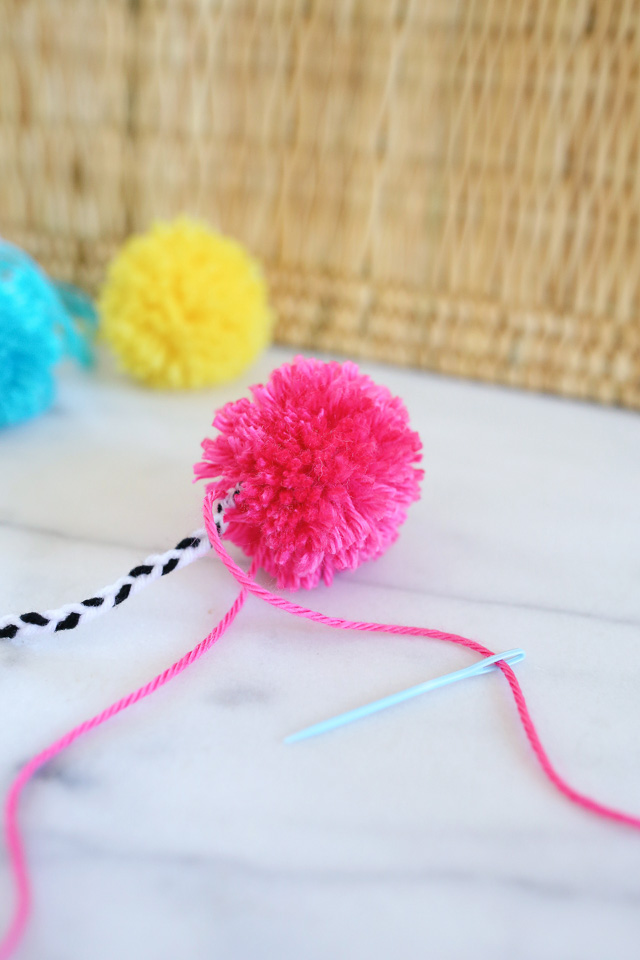 DIY how to make pom poms