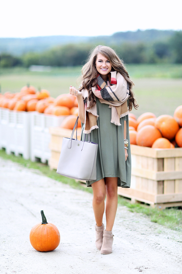213d6362346 10 Favorite Fall Outfits to Wear Now – Southern Curls   Pearls